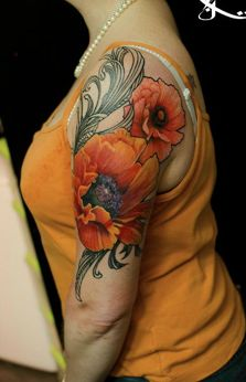 gorgeous poppy tattoo!  Love the detail in the flowers.