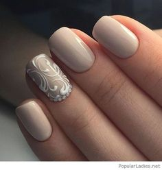 Amazing classic formall look, love the nail detail