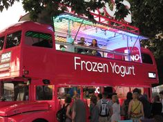 Snog Frozen Yogurt Bus South Bank London #bus #bus #ideas Streetfood Market, Bus Restaurant, Foodtrucks Ideas, Mobile Cafe, Mobile Food Trucks, Food Truck Festival, Food Truck Business, Food Vans, Food Truck Design