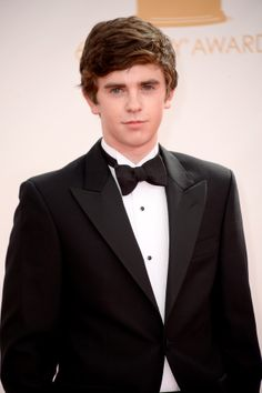 Freddie Highmore Photos - Actor Freddie Highmore arrives at the Annual Primetime Emmy Awards held at Nokia Theatre L. Live on September 2013 in Los Angeles, California. - Arrivals at the Annual Primetime Emmy Awards — Part 5 August Rush, September 22, Chicago Fire, Grey's Anatomy, Freddie Highmore Bates Motel, Good Doctor Series, Bates Motel Season 4, Bae, Norman Bates