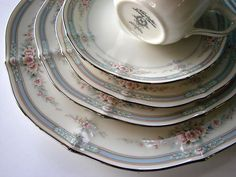 Noritake Ivory China Rothschild 7293  My FAVORITE set of China that I collect!!