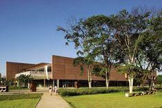 Biblioteca São Paulo, no Parque da Juventude, na cidade de São Paulo, SP…
