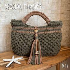 - Her Crochet - Diy Crafts - Qoster - Diy Crafts - Qoster Crochet Backpack, Crochet Tote, Crochet Handbags, Crochet Purses, Crochet Hooks, Crotchet Bags, Knitted Bags, Diy Crafts Crochet, Crochet Patron