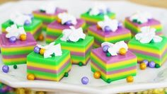 Celebrate Mardi Gras with jelly shots in the traditional King Cake colors of green, yellow, and purple!