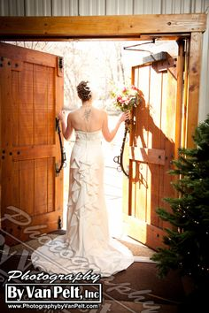 Rustic Colorado Weddings can make for an elegance and romance.