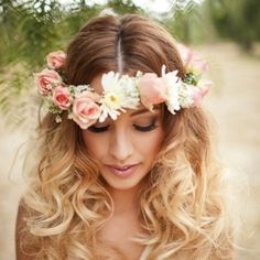 Floral headpieces we love  our favorite 5 weddings of the week (Image: Janelle Marina Photography)