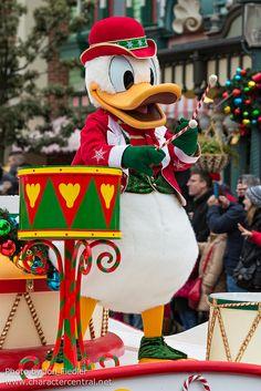 Donald Duck - Christmas Cavalcade