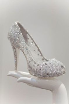Sparkly wedding shoes. Who wouldn't want these?