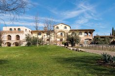 Agriturismo Pratello - Padenghe sul Garda ... Garda Lake, Lago di Garda, Gardasee, Lake Garda, Lac de Garde, Gardameer, Gardasøen, Jezioro Garda, Gardské Jezero, אגם גארדה, Озеро Гарда ... Welcome to Farm Holiday Agriturismo Pratello Padenghe del Garda. Only local, this could be slogan of the food at the Agriturismo Pratello. Only products that can be bred or grown in this area are served here, and the closest attention is paid to the environment. Arriving