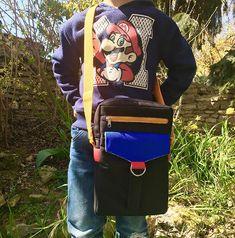@atelier_sable_noir sur Instagram: Couture pour mon fils aujourd'hui avec ce Jive de @patrons_sacotin allongé de 5 cm pour accueillir sa Switch 🎮 Fait avec des chutes de…