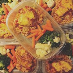 #MealPrep game is STRONG with salsa chicken, Spanish rice, and steamed veggies!  #mealprepsunday #mealprepgamestrong #onmytable #officelunch #lunchatwork #easymeal #easymealprep #fixapproved #overweight #weightlossgoal #livehealthylovedeeply