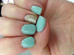 Mint green and glitter #shellac #nails