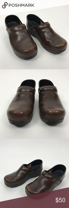 Dansko Professional Clog Shoes Brown Size 38 Dansko Professional Clog Brown Pre-owned, please see pictures Size 8 (EU38)  D1 Dansko Shoes Mules & Clogs