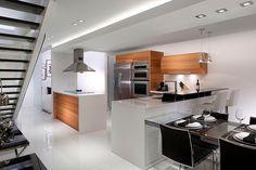 Loft duplex na Flórida com divisórias de vidro: amplia e integra o espaço