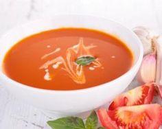 Soupe de tomates douceur à moins de 150 calories : http://www.fourchette-et-bikini.fr/recettes/recettes-minceur/soupe-de-tomates-douceur-moins-de-150-calories.html