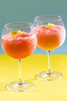 It's the latest summer rosé trend - a frozen rosé wine cocktail. Try making your own with this frosé recipe from Sally Abé at Great British Chefs. Coctails Recipes, Sangria Recipes, Watermelon Recipes, Strawberry Recipes, Drink Recipes, Festive Cocktails, Frozen Cocktails, Summer Cocktails, Sorbet