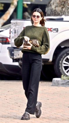 Cute Sweater Outfits, Cute Outfits, Trendy Outfits, Fashion Outfits, Kendall Jenner Outfits, Mode Streetwear, Everyday Outfits, Winter Outfits, Winter Fashion
