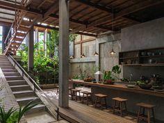 Ngôi nhà làm bằng tôn, gỗ, cói ở An Giang khiến báo ngoại cũng phải ngỡ ngàng - Ảnh 4.
