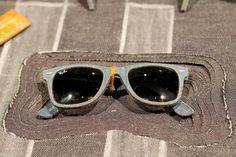 You read that right: Ray-Ban Denim Wayfarers! Take a look at a fusion of classics. Sunglasses Store, Clubmaster Sunglasses, Summer Sunglasses, Sports Sunglasses, Ray Ban Sunglasses, Ray Ban Wayfarer, Only Fashion, Mens Fashion, Runway Fashion
