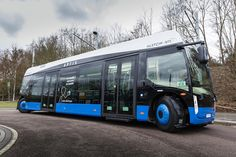 Alstom and NTL launch Aptis, a new, electric experience of mobility Motorcycle Party, Motorcycle Travel, Mode Of Transport, Public Transport, Bus Terminal, Renewable Sources Of Energy, New Motorcycles, Bus Conversion, Busses