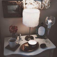 bedroom decor: candles, coffee, & coziness
