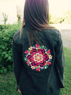 Mandala en chaqueta de jeans OK!