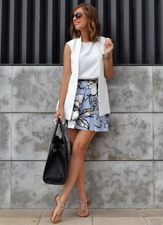 Outfits Mode für Frauen 2019 - Way outside my normal fashion but really cute and would consider. Blazer Outfits, Skirt Outfits, Casual Outfits, Casual Blazer, Sleeveless Blazer Outfit, White Outfits, White Vest Outfit, Sleevless Blazer, Sweater Outfits
