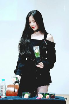Shuhua South Korean Girls, Korean Girl Groups, My Little Baby, Cube Entertainment, Soyeon, Kpop Outfits, Sweet Girls, Neverland, Pop Group