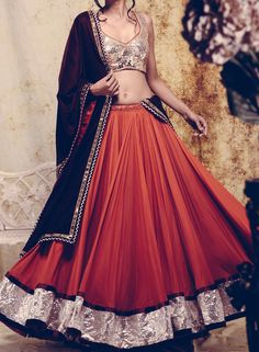 ad19be9872ba Get designer  amp  trendy bridal lehenga on Rental basis in any location of  India from