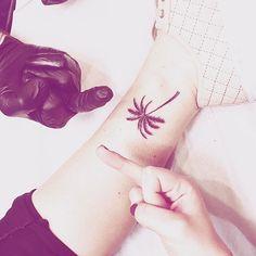 #palmtree #palmier #tatouage #summer #sun #holidays #tattoo #symbole #happiness #spring2016 #inlove #mytattooistisbetterthanyours #cheville #fuck #palmtrees #fuckit #trilogy un grand merci  @trilogy_inglorious_fellaz