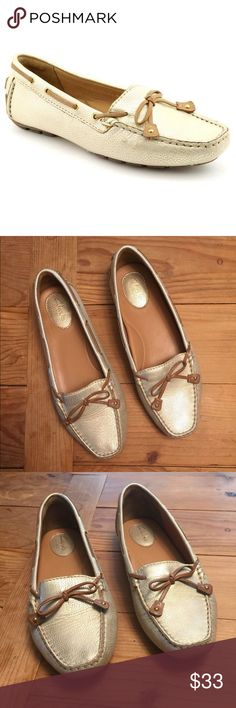 adf4e073f6ff EUC Clarks Women s Gold Loafer Size 9 Excellent used condition - light wear  under toes pictured