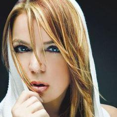 """EDNITA el 9 de mayo en el Coliseo de Puerto Rico. Ven y disfruta con la Diva de Ponce y sus canciones...""""El Corazón Decide"""", """"Olvídame"""", """"A Mi No"""", """"Te Tengo a Ti"""", """"La Más Fuerte"""", entre muchos otros éxitos. Detalles en ticketpop.com  #ednita #ticketpop #lamasfuerte #ladiva #ponceesponce"""