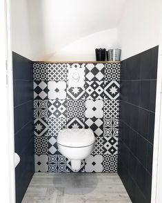 Wc faïencés carreaux de ciment et carreaux noirs Leroy Merlin Wc / faïences / carreaux de ciment / design interior / cocooning home / wc suspendus / water /