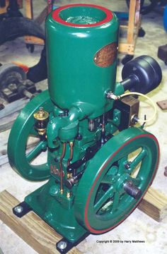 NOVO 3HP Hit and Miss Gas Engine