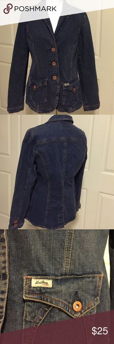 "💥Levi's Denim Blazer💥 A different twist on a classic. Heavy weight denim has a vintage look. Levi Strauss quality blazer in excellent condition. Size medium. Measures 17"" pit-pit and 24"" long Levis Jackets & Coats Blazers"
