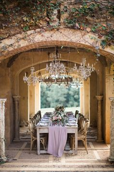 Elegant Chandelier Lit Wedding Table #wedding #weddings #weddingideas #engaged #aislesociety #vintagewedding