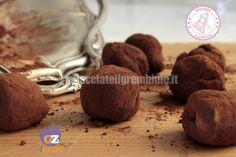 I tartufini al cioccolato veloci sono facili e golosissimi e potete prepararli anche con cioccolato avanzato dalle uova di Pasqua.