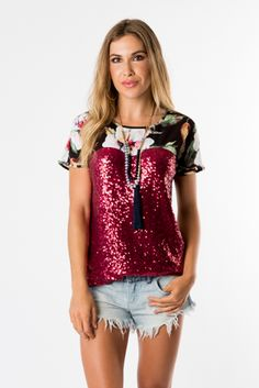 Nuovo Tee Peplum, Ruffle Blouse, Pink Sequin, Summertime, Fitness Models, Sequins, Tees, Floral, How To Wear