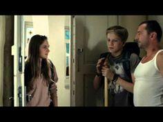 """Ondřej Vetchý a vzpomínka na """"trapné"""" chvíle, které v pubertě s rodiči zažil snad každý z nás. Připomeňte si je v televizním spotu kampaně Hledáme rodiče!"""