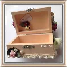 Altered trinket box by Fidiarts©