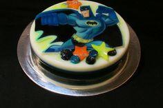 Batman Gelatine / Gelatina Decorada Batman Batman, Birthday Cake, Desserts, Food, Tailgate Desserts, Birthday Cakes, Dessert, Postres, Deserts