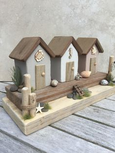 Wooden Projects, Home Projects, Projects To Try, Driftwood Crafts, Timber House, Wood Accents, Fairy Houses, Diy Arts And Crafts, Beach Art