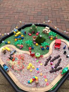 Small world, Cbeebies Land tuff tray - not sure I can make something this detailed but it's a great idea generator! Eyfs Activities, Nursery Activities, Infant Activities, Activities For Kids, Outdoor Activities, Sensory Table, Sensory Bins, Sensory Play, Tuff Spot