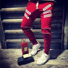 Yazılı Eşoman Altı Bordo Trouser Pants, Jogger Pants, Red Joggers, Track Pants Mens, Men Style Tips, Men Looks, Jordan Retro, Alter, Designer Shoes