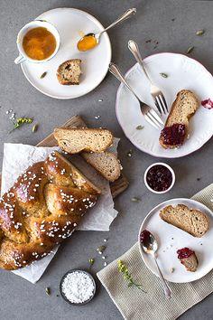 glutenfreier Hefezopf (vegan)   glutenfreies Osterbrot   einfacher glutenfreier Hefezopf ohne Ei und Zucker   freiknuspern