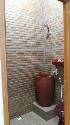Home Room Design, House Design, Bathroom Style, Bathroom Interior Design, Vintage Bathroom, Minimalis House Design, Tiny House Bathroom, Bathroom Remodel Designs, Bathroom Shower Design