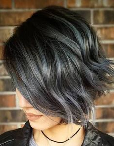 Short hairstyle for wavy hair which is grey in colour - Yasmin Fashions
