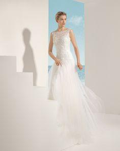 VIOLIN vestido de novia en tul sedoso encaje y pedrería .