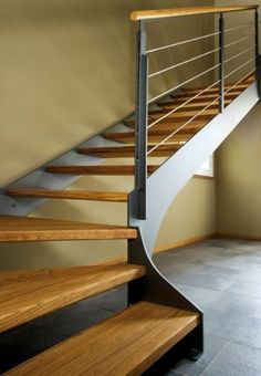 Scale in Ferro, Scale Interne - Elite Line Wood - Alfa Scale Cantilever Stairs, Steel Stairs, Wood Stairs, Building Stairs, Modern Stairs, Interior Stairs, Stair Storage, House Stairs, Wood Ceilings