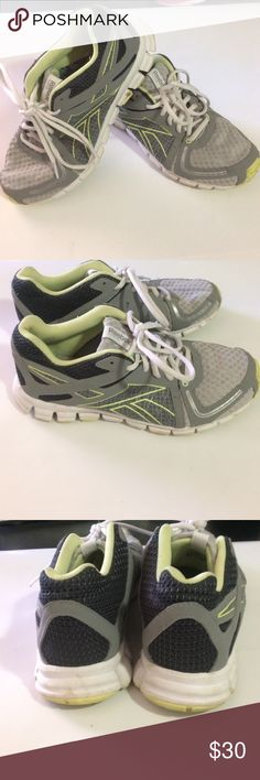 Reebok tennis shoes Reebok tennis shoes wide, worn but in decent condition, has lots of life left. See pictures. Reebok Shoes Athletic Shoes